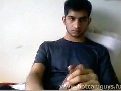 Супер милый индийский парень дрочит на Cam - Часть 1