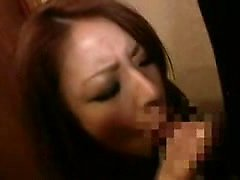 Kızı kışkırtan, onunla birlikte orgazm yağlı bir horoz getiriyor