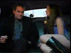 Sexig tjej som har sex i limousine