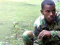 Penis - stark Twink Im Soldaten am See