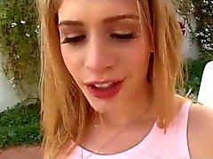 Beautifull teen-bitch outdoor cumeating