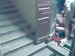 Treppenhaus Sicherheit cam catpures Frau fucking