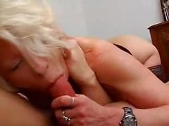 Sex Date mit vollbusiger Schlampe mature.avi