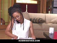 Submissived - Beautiful Ebony Königin wird mit weißen Schwanz gefüllt