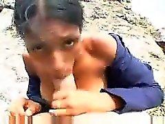Inexperimentado indio con senos enormes mamada en público pl