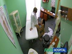 FakeHospital olduğu ince cılız genç öğrenci doktorların Creampie gets
