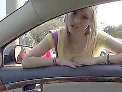 Любительские подросток Лондона Смита нарушает головой и прибита в автомобиле