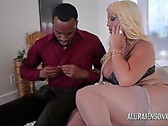 Big Boob Alura Jenson Makes Booty Call à Jonvan Jordan