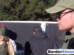 Dois bebês imigrantes tesão fodendo na fronteira