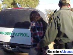 Kahdella horny maahanmuuttajanaisten lapsenmielisille saa munaa rajalla