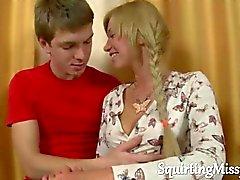 Novato en calientes mujer rubia se sedujo a y se separa