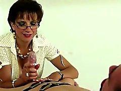 Lady Sonia gets cumshot
