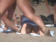Голый пляж - красавицы, показывающие свои чары