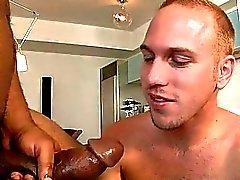 Sexy boy cherche à avaler