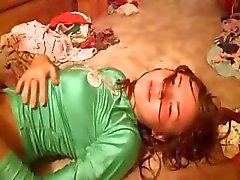 Hot Russische toont roze vagina te on camera