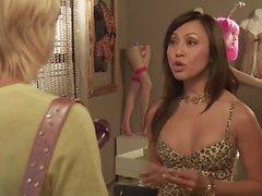 Beverly Lynne et Christine Nguyen - Tanya X