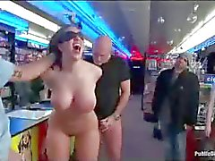 Gebundener vollbusigen schätzchen anale gefistet in Pornos Speicher