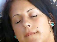 Blackhair lésbicas dedilhado trechos