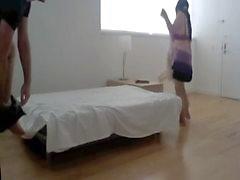 Riskante chinesisch GILF Prostituierte ohne Sattel , innen wichse