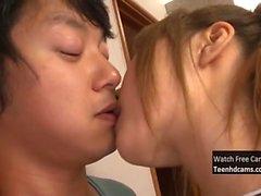 Asyalı Teen Fucked Hard alır