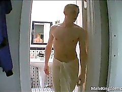 Nasty Homosexuell es halbnackte andhe liegt Ruckeln