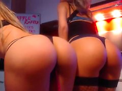 Amateur lesbianas puño en la webcam