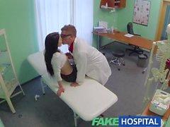 Bir zevk Sıcak Hastalar iniltiler sahte Hospital kan basıncının problem düşürmektedir