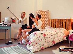 trio adolescente russo con sborrata