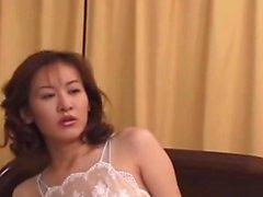 Äldre japanska milf med stora tuttar hardcore fuck