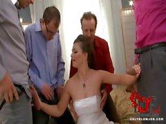 De la novia golpes todas sus padrinos !