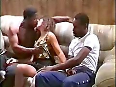 mrskarilynn42il neukt twee zwarte jongens