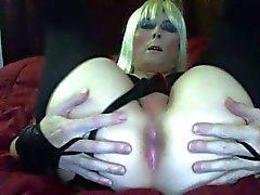 Blond Schoolgirl atractivo de a Tasha en medias que Sacudiendo el trasero