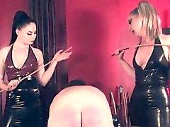 Kaba femdoms spanking bağlı bağlılık itaatkâr