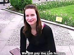 Weibchen HALT - ZU 25. Jahre alten Czech Mädchen mit netter Pussy