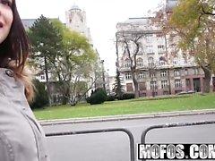 Mofos - ramassages Public - Euro Bébé avec Perk