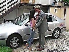 Michelle jauhettiin koskevat Orjuus naamio autoa