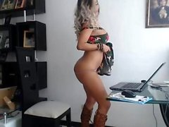 Ivana pääosassa eroottinen striptease ja masturbaatio kohtaus