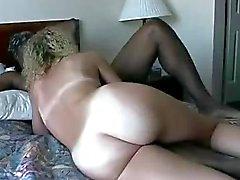 femme Cathy prend doubles affaires vaginale