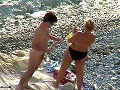 Sexo em uma praia.