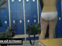 Gruppen Amatörradio milf nakna in omklädningsrum