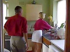 Slut inglesi viene scopata Nel The Kitchen