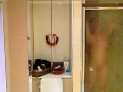мой шаг мама 34 подсмотрел в ванной комнате