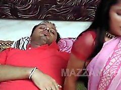 Baichain Bhabhi Aur Garamin Devar