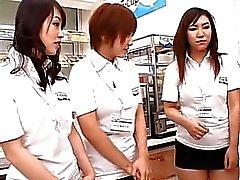 De modelos AV japoneses en un video pis