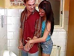 De emo adolescentes triguenho Masturbação Débora bateu com na lavabo