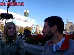 Je ramassai une UKRAINIEN fille et je l'ai embrassée PASSIONATELY (ASS blocage)