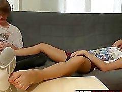 Twinkar Furby samt Blueboy gärna några fot massage samt footjob