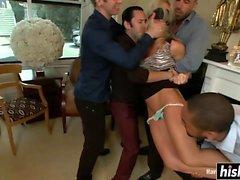 Simone Sonay recebe seu rabo fodido