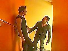 Näe kovasti miespuolinen anaaliseksiä oikealle portailla yksityishotelli