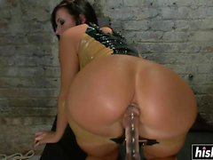 Sexy chica hace algo de hardcore anal